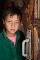 Romsk pojke, Gheorgheni, Rumänien