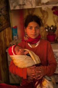 Romsk flicka, Gheorgheni, Rumänien
