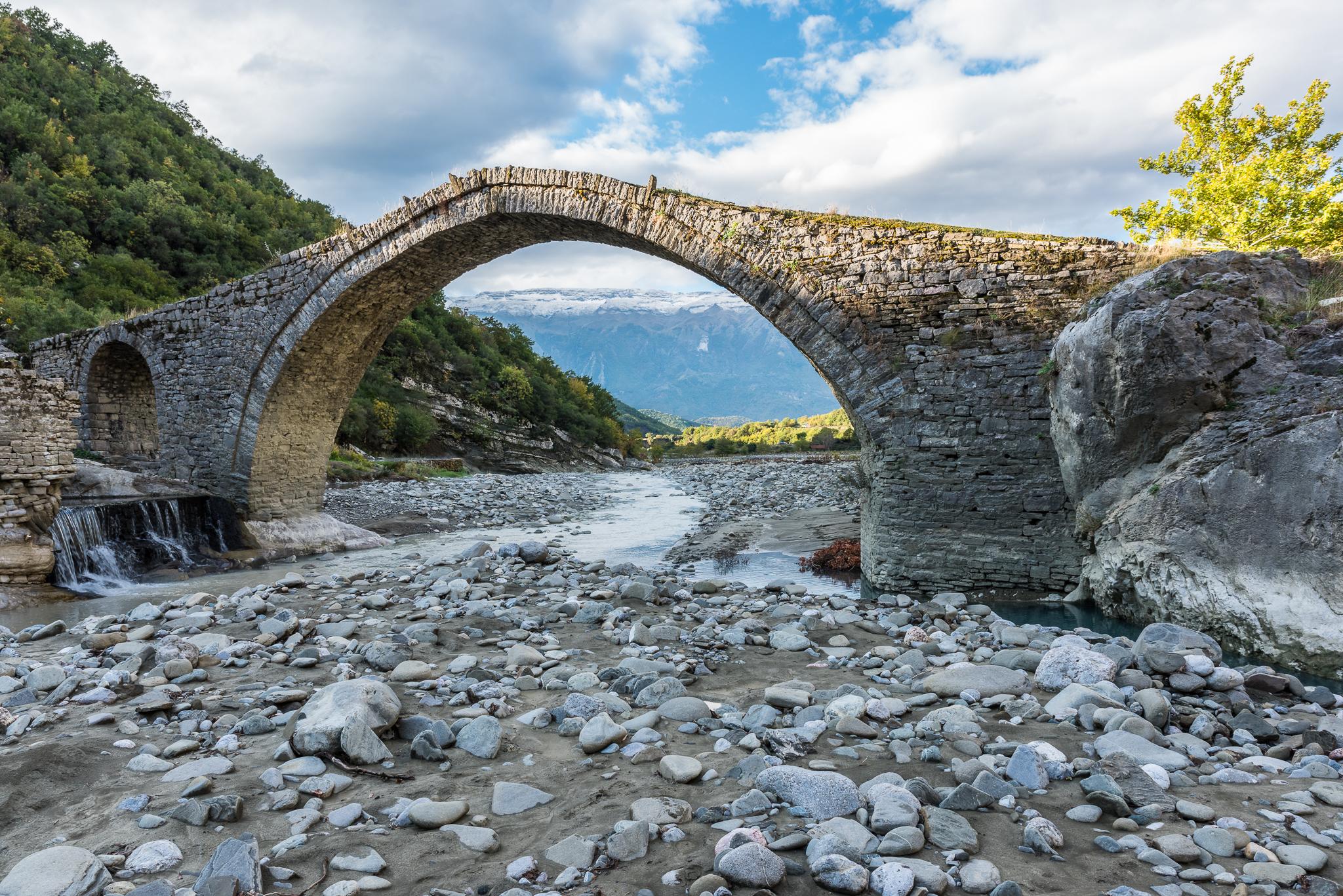 Gammal bro. Albanien