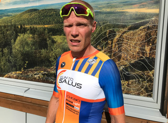 Antti-Jussi Juntunen (Akilles Green team) ajoi maantiepyöräilyn Suomenmestariksi - JäPy:n Antti Mäke