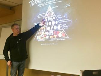 Mikael Fogelholmin ravitsemusluento JäPy:läisille 28.2.