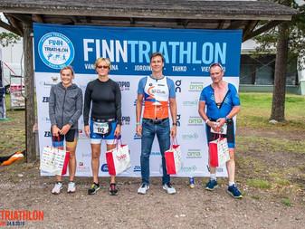 JäPyläiset triathlonistit menestyivät kotimaassa ja ulkomailla viikonlopun kisoissa!