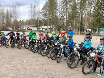 JäPy käynnistää ohjatut maastopyörälenkit lapsille!