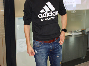 JäPy:n triathlonkoulu kokoontui kuuntelemaan Jaakko Rantalan kiehtovaa kisatarinaa