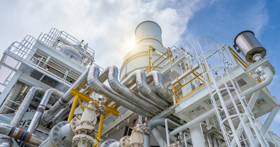 Hampton Tedder Technical Services works atRefinery