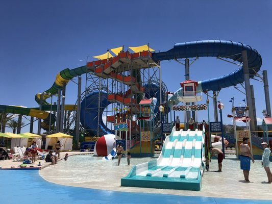 Cowabunga Bay - Water Park