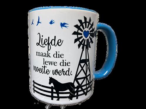 """#22. Coffee Mug """"Liefde maak die lewe die moeite werd"""""""