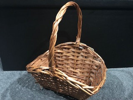 Hamper Basket 26 x 20 x35cm with filler and decorations