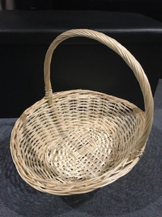 Hamper Basket 43x32x13cm with filler and decorations
