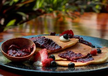 Hot cakes - Rellenos de mermelada de frutos rojos casera