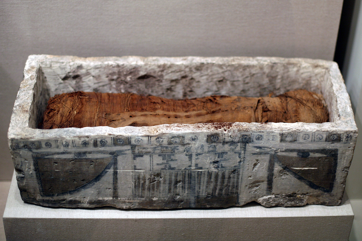 WLA_brooklynmuseum_Sarcophagus_for_Cat_Mummy_ca_305_BCE-1st_century_CE