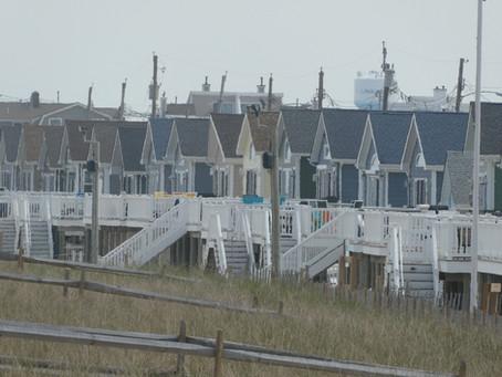 North Dover: Crazy Quilt of 10 Beaches. Photo Gallery Displays Unique Architecture