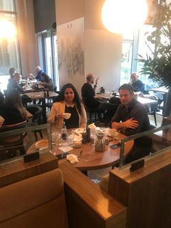 שי מור מנכל מגזין דה מרקר בפגישה עם מנכל