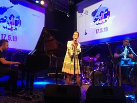 הזמרת בת אלה ביום ההשראה הבינלאומי.jpg