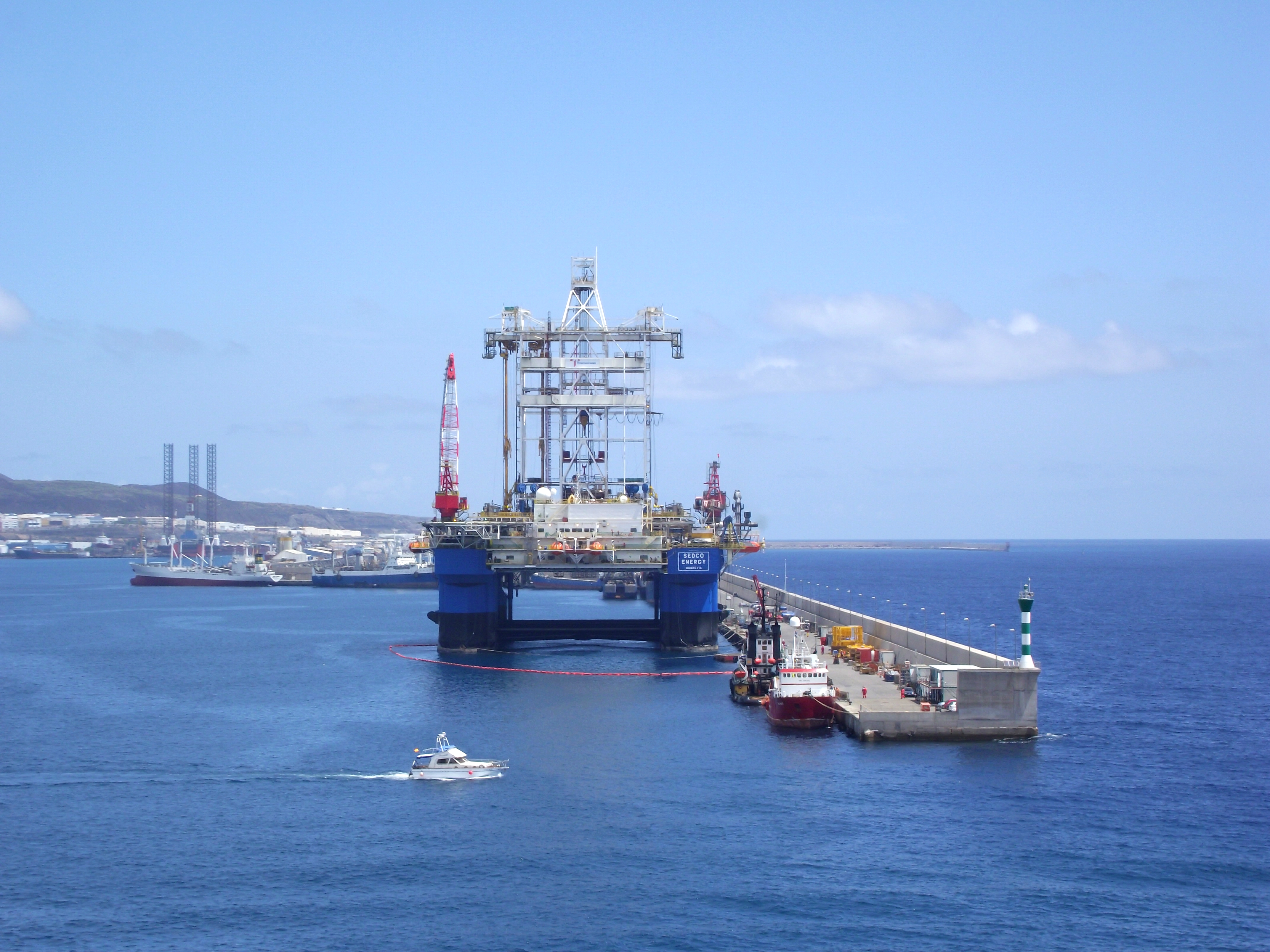 stockvault-an-oil-rig-at-the-port141378.