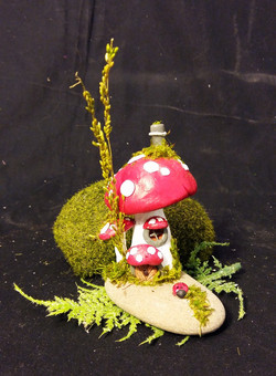 Mushroom Smallee and Tallee Home