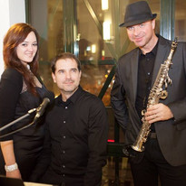 The Party band trio na vánočním večírku pro německo-českou ambasádu
