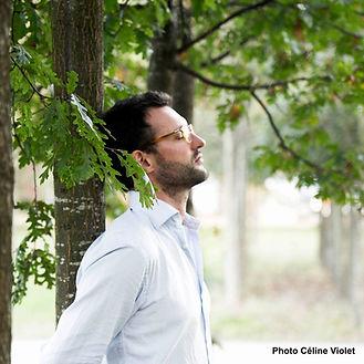 Julien dans les arbres.jpg