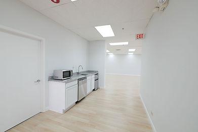 404-kitchen2.jpg