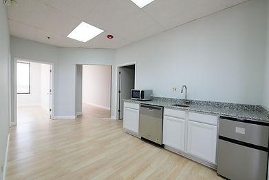 404-kitchen1.jpg