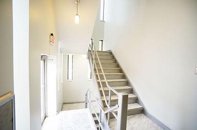 m-backstair.JPG