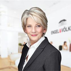 Sue Scott - Sales Adviser