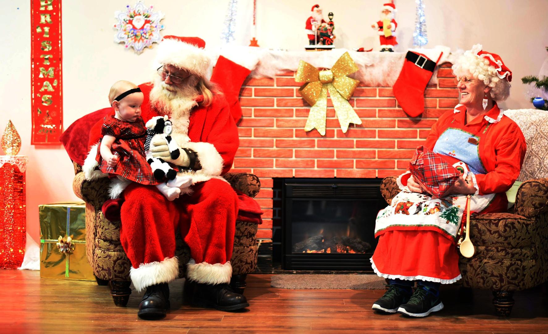 Santa & Mrs. Claus at the Legion