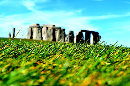 stonehenge-1775528_1920.jpg