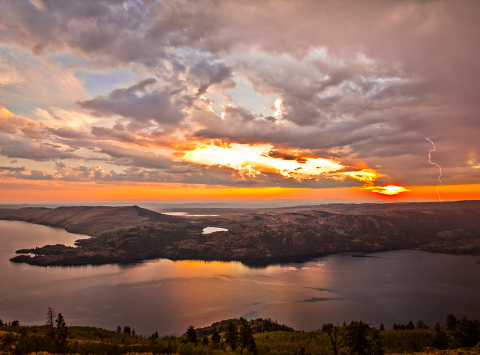 thumb_Fremont_lake_sunsete_reeve_0001_10