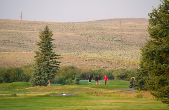 RMGC_Sunrise_golfers.jpg