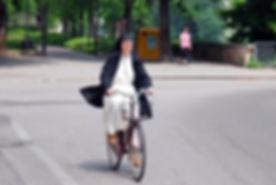Nonne faire du vélo