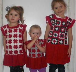 Robes tricotées au crochet.