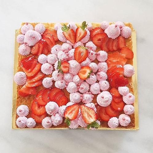 Tarta de milhoja de fresa