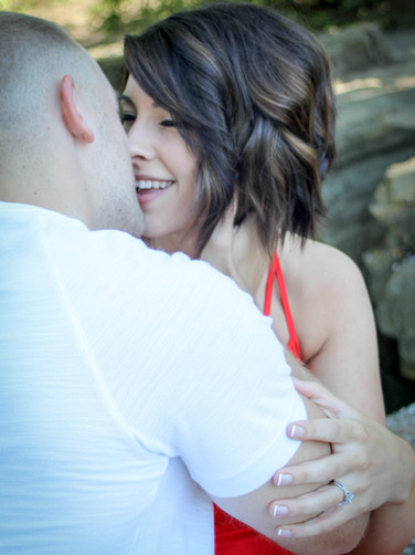 ENGAGEMENT PICTURES-33.jpg