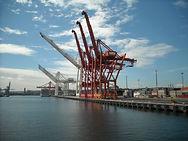 Container_Cranes_-_Seattle_Harbor_(2874285692).jpg