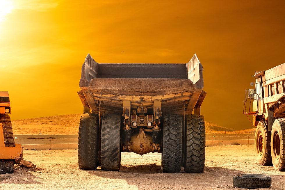 on-construction-site-bulldozer-excavator-loader-lo-8W2AUVN.jpg