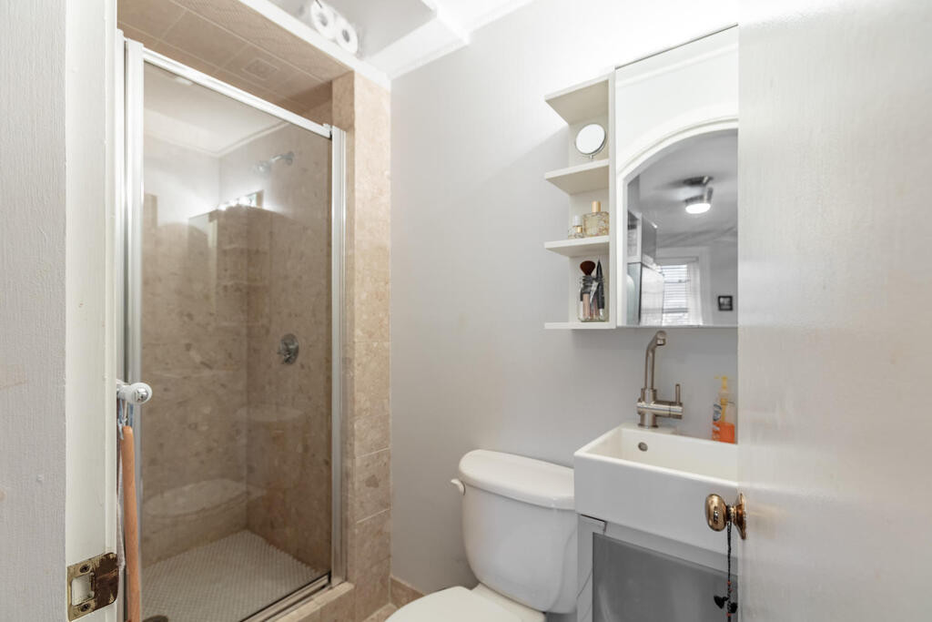 154 W Concord St Boston MA-013-030-Bath-