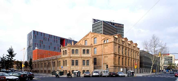 Poblenou: del huerto del taulat a la arquitectura industrial