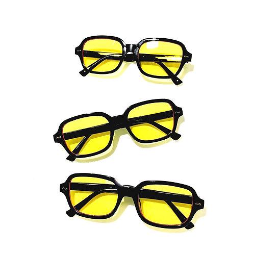 Óculos de sol retrô com lente amarela e armação preta