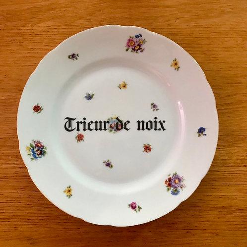 """Assiette """"Trieur de noix"""""""