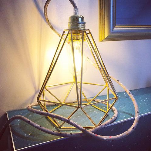 Baladeuse triangle et cage diamant dorée