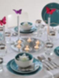 עיצוב שולחן אביבי עם פרפרים