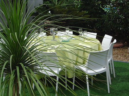 עיצוב אירוע בצבעי ירוק לבן