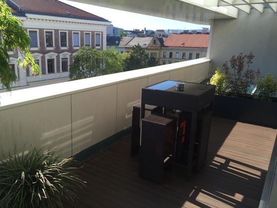 Terrasse beim Besprechungszimmer