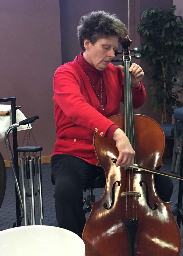 Krista Springer playig the cello.