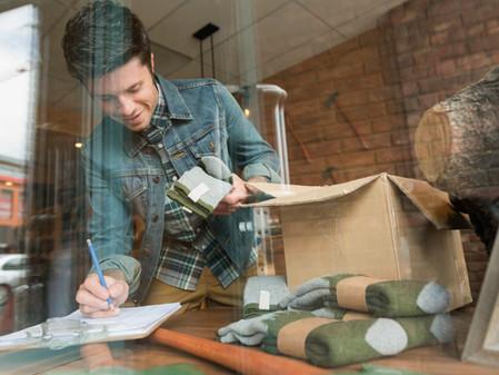 代購業者,除佣金收入應開立統一發票外,還應按商品實際價格開立統一發票交付委託人