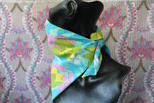 Handmade 60s Floral Triangle Mask