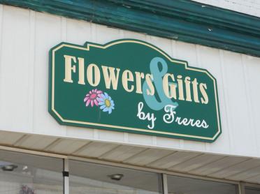 flowers_gifts_freres_carved_hdu_webz.jpg