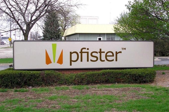 pfister_lighted_webz.jpg