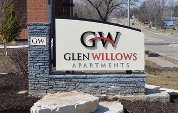 glen_willows_2_webz.jpg